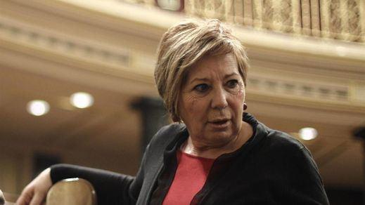 Celia Villalobos, recordada por... jugar al 'Candy Crush' en el Congreso