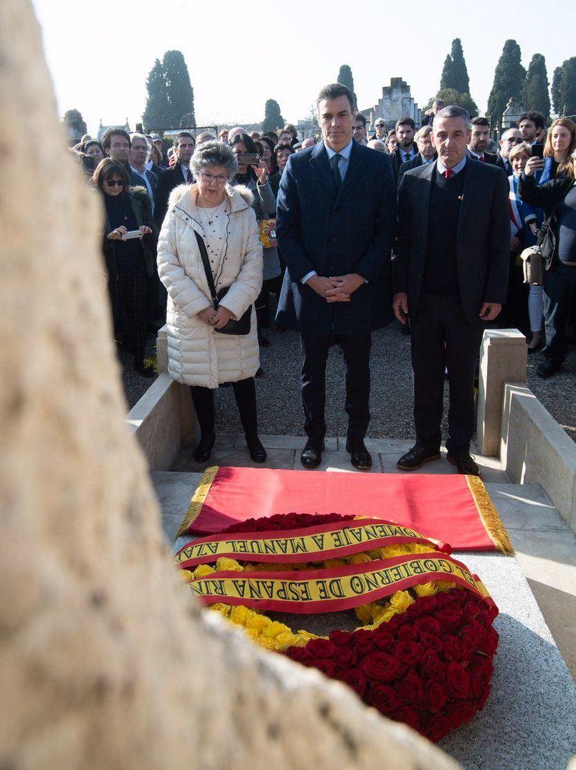 Pedro Sánchez visita la tumba de Manuel Azaña