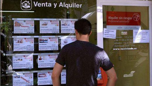 El Gobierno ultima un pacto con Podemos para resucitar el decreto del alquiler con 'techos' a los precios