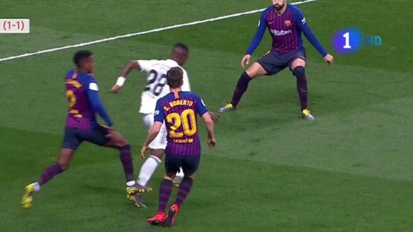 La efectividad del Barça superó a un Real Madrid que puso el esfuerzo y el juego, pero queda eliminado (0-3)