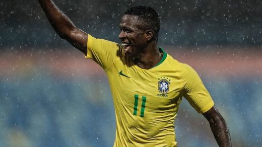 Vinicius debuta con la Selección brasileña tras su gran mes en el Madrid