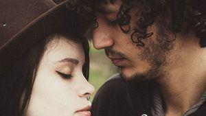 Conjuros y rituales de amor: cómo atar a tu pareja o encontrar una