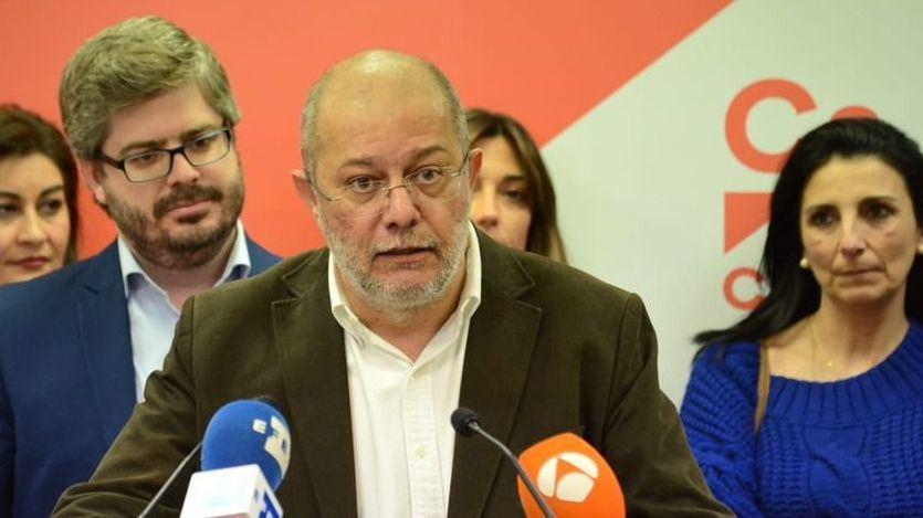 El líder de Ciudadanos en Castilla y León no descarta llevar a los tribunales el 'pucherazo' en favor de Silvia Clemente