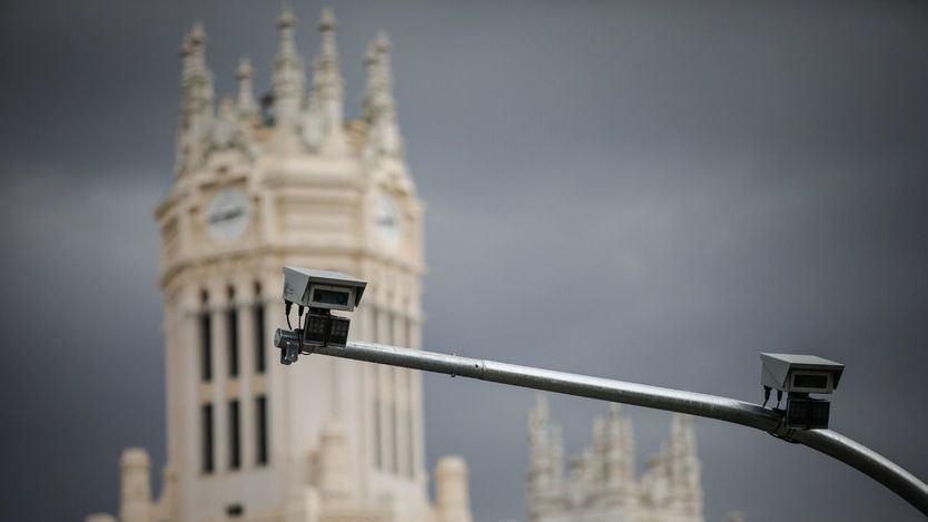 Carmena empieza a multar ya a quienes se 'cuelen' en Madrid Central