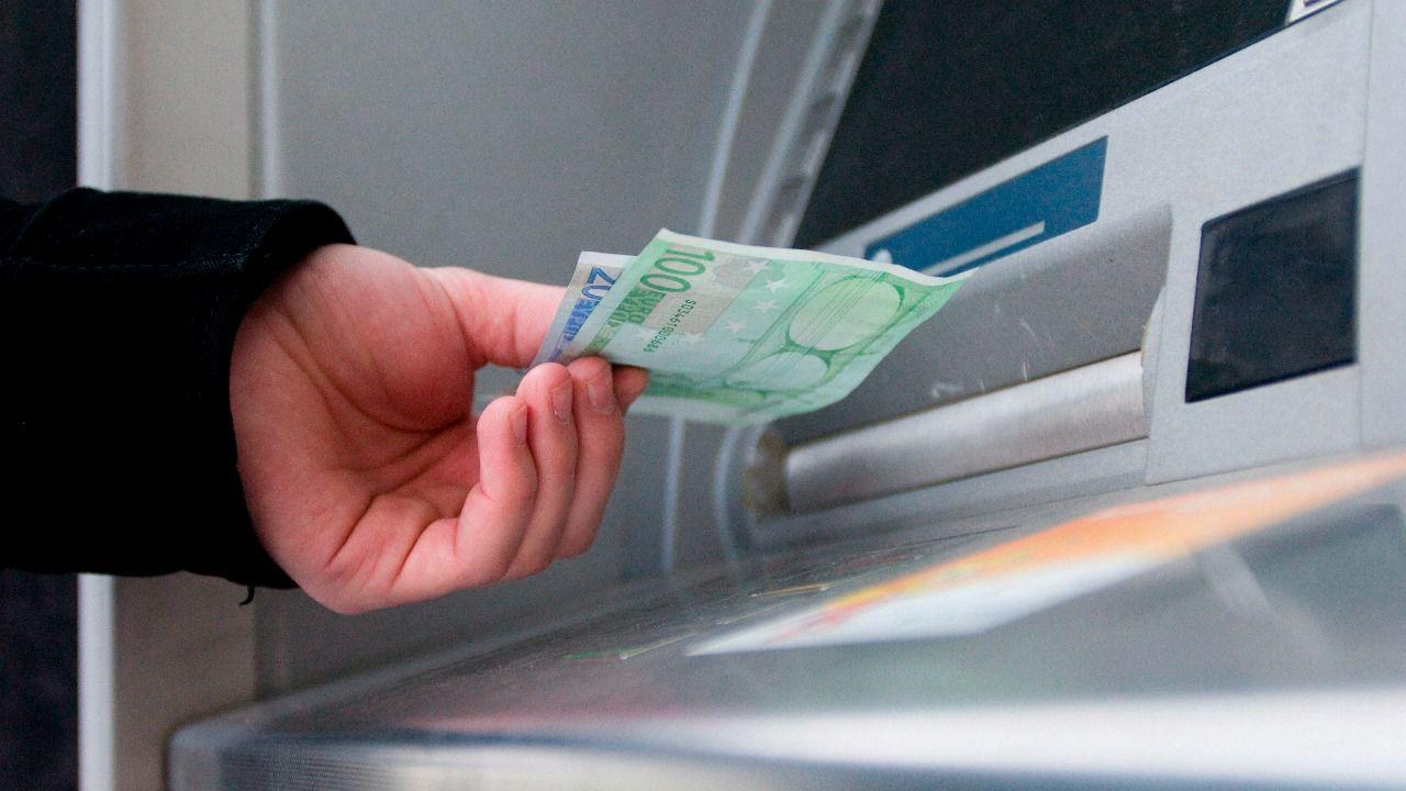 El peso se aprecia y el dólar pierde en forma generalizada