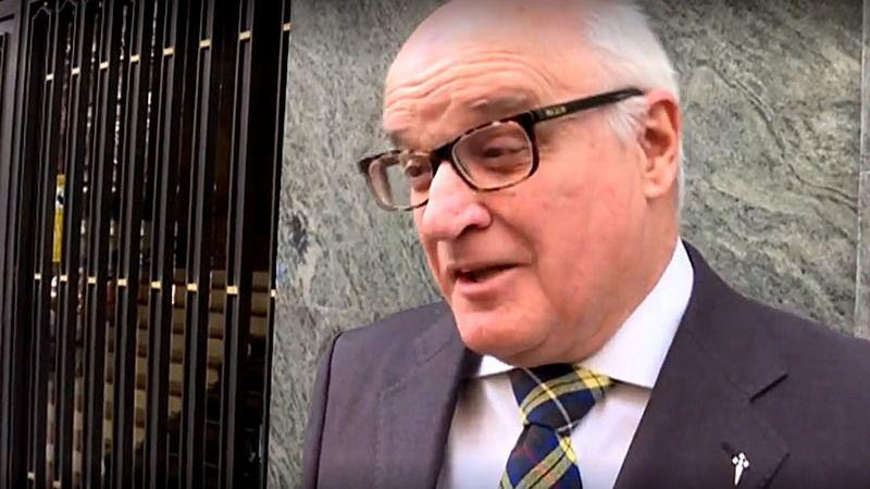 El juez que paralizó la exhumación de Franco se aparta temporalmente del caso