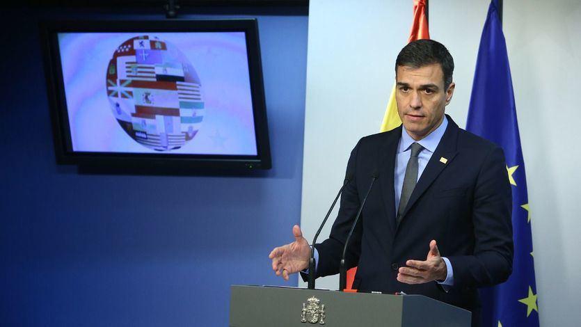 Sánchez critica que Torra se 'adueñe' de las instituciones por la nueva pancarta de la Generalitat