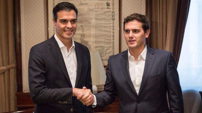 La suma PSOE-Ciudadanos podría ser la que más escaños aglutinase en un Congreso dividido en dos