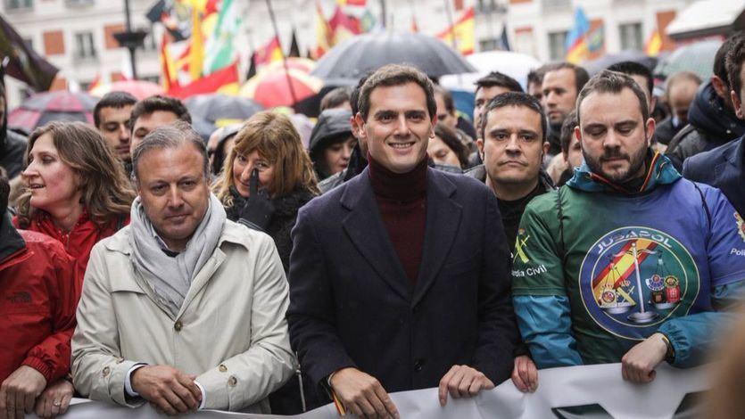 Rivera promete la equiparación salarial de Policías y Guardias Civiles con Mossos y Ertzainas