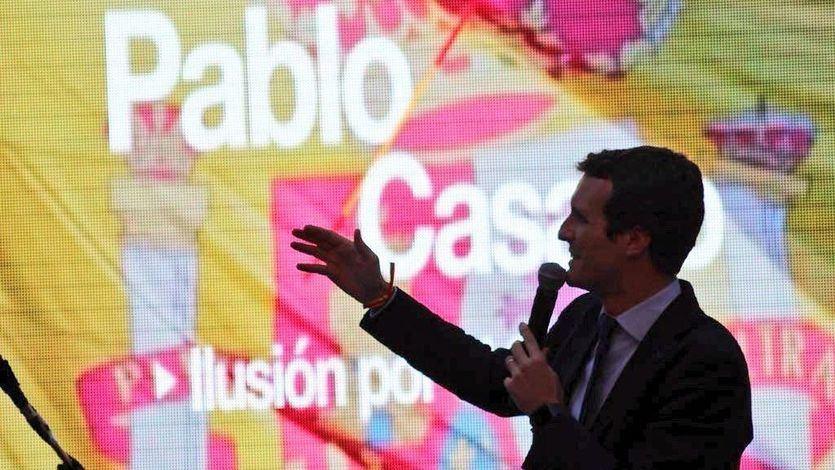 Casado amenaza con bajar el salario mínimo a 850 euros a los españoles y luego dice que es una 'fake new'