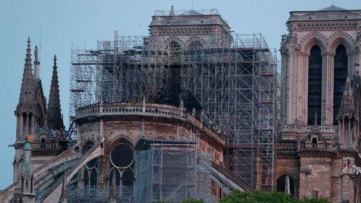 Resistió Notre Dame: se da por extinguido el incendio y salvada la estructura básica de la catedral