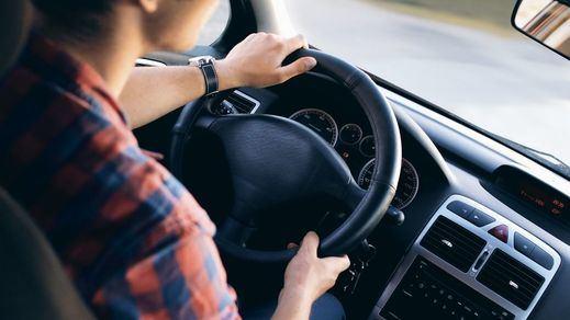 El Europarlamento aprueba la nueva normativa que limita la velocidad en los vehículos