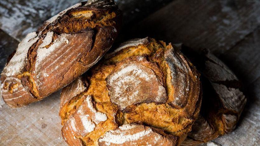 Hogazas de pan de trigo sarraceno