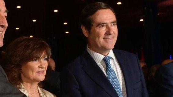 Los empresarios presionan ya a Sánchez para que no pacte con Podemos