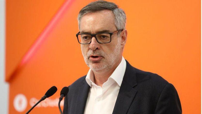 Ciudadanos rebaja su veto al PSOE y se abre ahora a 'dialogar' con Sánchez