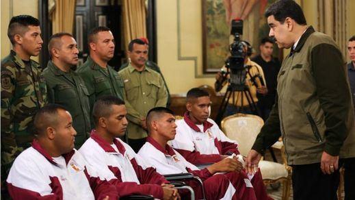 Guaidó fracasa en su intento de sublevar a los militares que permanecen fieles a Maduro