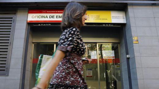 Las cifras del paro le dan una buena noticia al Gobierno de cara a las elecciones: 91.518 desempleados menos