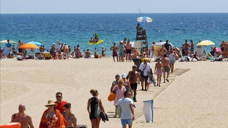 Las playas españolas conservan 566 banderas azules