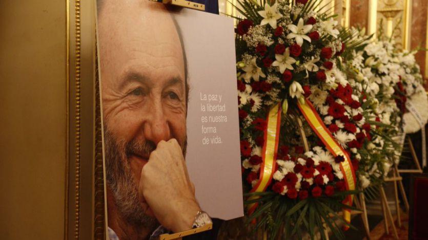 La emotiva y concurrida despedida a Rubalcaba en el Congreso