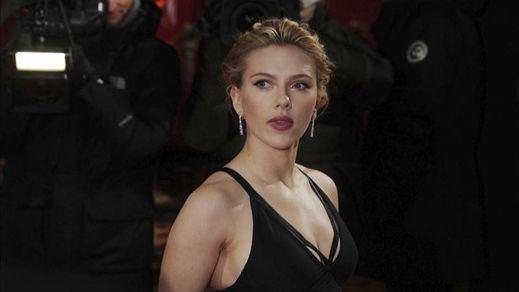 ¿A la tercera va la vencida?: Scarlett Johansson se casará con Colin Jost