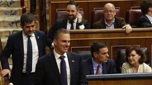 Aumenta la presión sobre el PSOE por la suspensión de los diputados presos: de ERC al PP