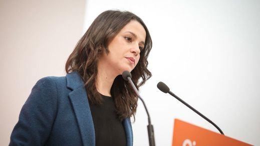 Ciudadanos levanta el veto al PSOE y a Vox para negociar caso a caso