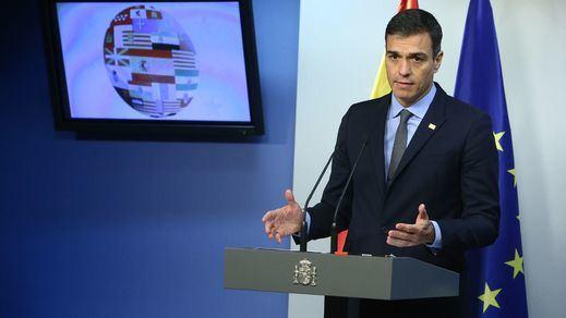 Sánchez pide a Iglesias y Rivera que
