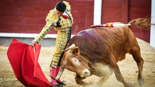 San Isidro: sólo volutas de buen toreo de Urdiales en moruchada de Alcurrucén