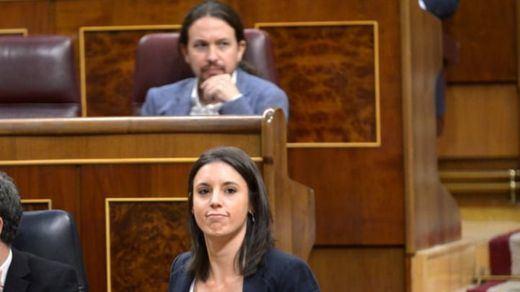 A Pablo Iglesias e Irene Montero les critican hasta lo que pagan a su nodriza