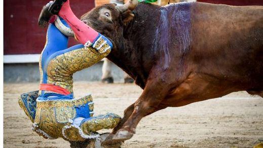 Otra cornada grave en San Isidro: herido Sebastián Ritter y oreja al poso de Eugenio de Mora (vídeo)