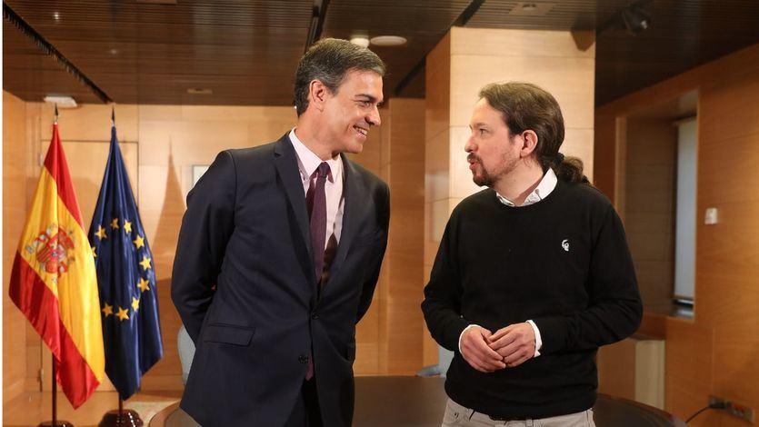 Iglesias sale 'domado' tras la reunión con Sánchez: PSOE y Podemos hablan de un 'Gobierno de cooperación'