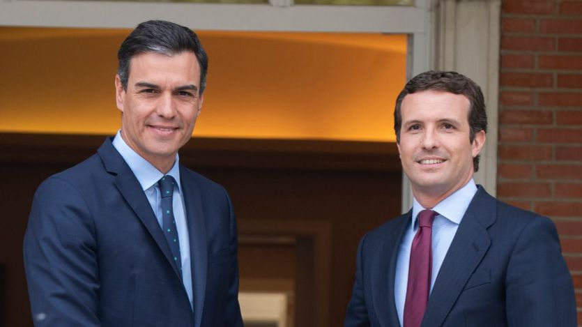 Casado insta a Sánchez a buscar el apoyo de UPN y CC para su investidura