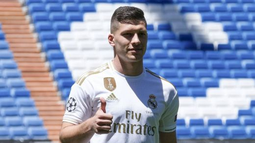 Jovic, presentado como el nuevo 9 del Madrid: