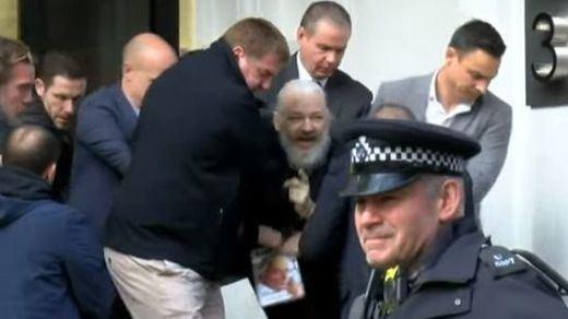 Reino Unido aprueba la extradición de Assange a EEUU