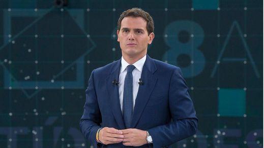 El diario 'Le Monde' reprocha a Cs sus pactos con Vox y el PP