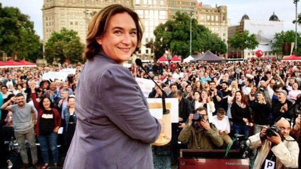 Colau logra el aval de sus bases para conservar la Alcaldía junto al PSC y con los votos de Valls