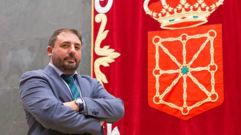 Primer asalto en Navarra: el PSOE permite que los nacionalistas presidan el parlamento foral