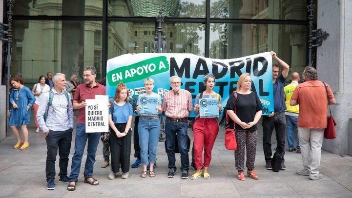 La Plataforma en defensa de Madrid Central está compuesta por Ecologistas en Acción, Greenpeace, Fapa Francisco Giner de los Ríos, FRAVM, Pedalibre, Fridays For Future y Madres por el Clima