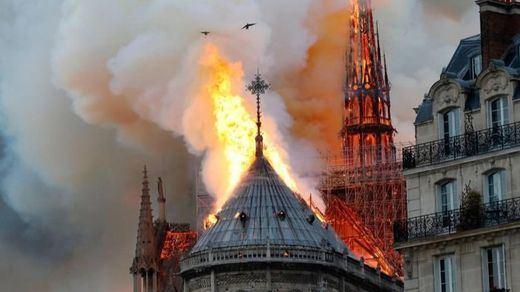 La investigación preliminar descarta un origen criminal en el incendio de Notre Dame
