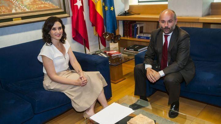 Isabel Díaz Ayuso, en su ronda de contactos con el presidente de la Asamblea, Juan Trinidad, de cara a la investidura