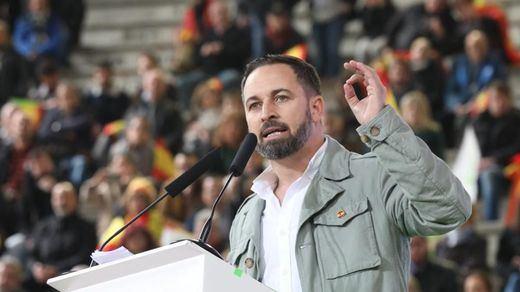 Vox cae en el insulto para descalificar a Albert Rivera