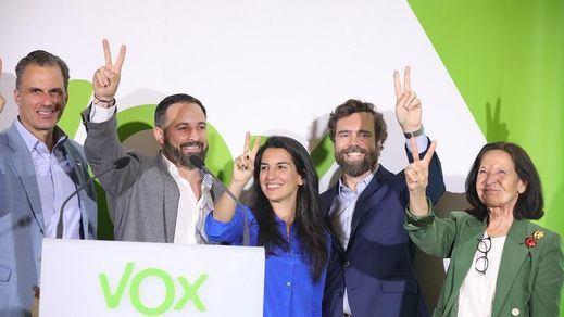 El caso de Murcia abre dudas sobre la dirección de Vox: 2 posturas internas, cambios de última hora...