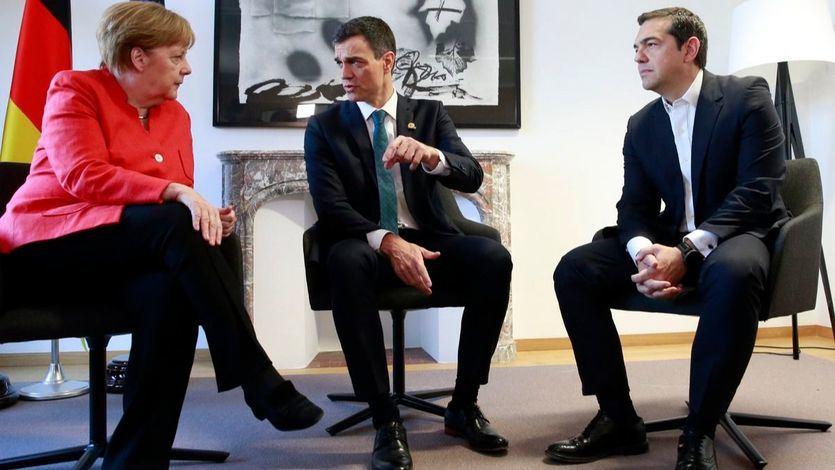 Pedro Sánchez se reúne en Bruselas con Angela Merkel y con Alexis Tsipras