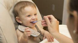 La OMS alerta de los potitos para bebés por su alto contenido de azúcar