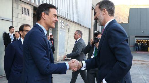 El PSOE se une a PP y Cs para vetar preguntas sobre el carísimo coche comprado a la Casa Real