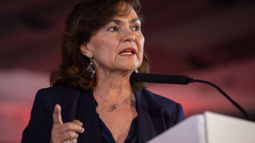 La vicepresidenta Calvo arremete contra Iglesias, que le disputa el cargo, y aleja más si cabe un pacto con Podemos
