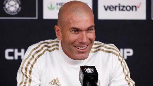 Zidane revela que fue Bale quien pidió quedarse en la grada sin vestirse