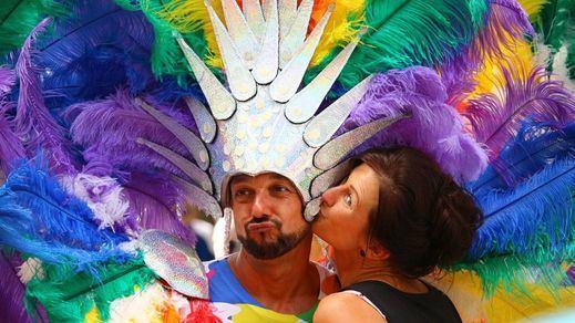 Díaz Ayuso deja ver su verdadera opinión sobre la homosexualidad difundiendo un artículo que la califica de problema