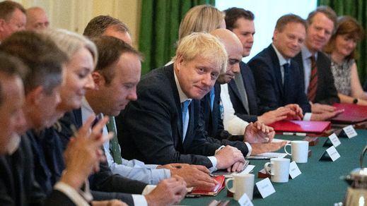 Boris Johnson forma un gobierno de radicales antieuropeos y promete un Brexit favorable al Reino Unido