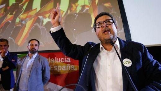 El ex juez Serrano descarta su retirada tras el roce con su partido, Vox, por los comentarios sobre 'La Manada'
